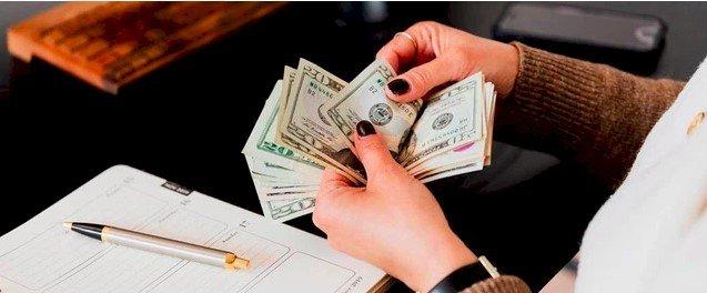 Lý do người giàu không gửi tiền trong ngân hàng hoặc đầu tư vào nhà cửa: Hai phương thức này đã quá lỗi thời!  - Ảnh 1.
